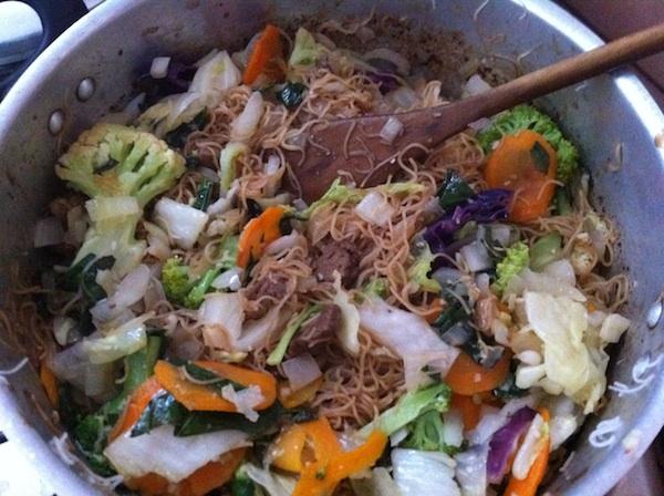 Yakibifum - Yakissoba com macarrão de arroz
