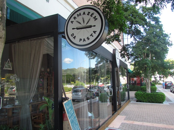 Armazém da Pasta - Boulevard Externo do Shopping Iguatemi