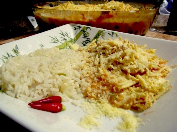 Camarões ao catupiry e arroz branco