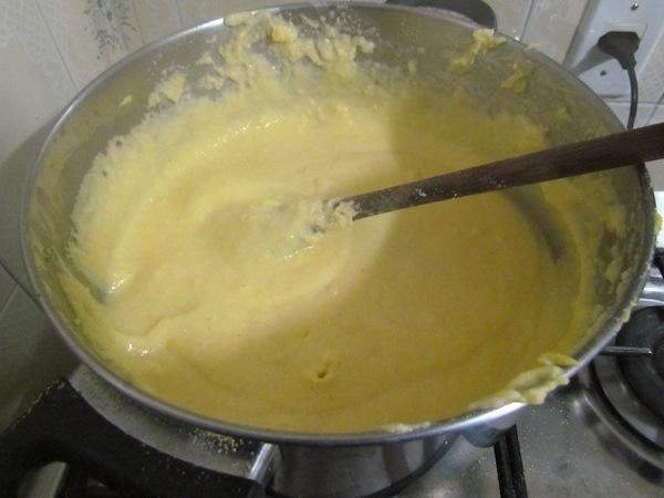 Fazendo a polenta 2