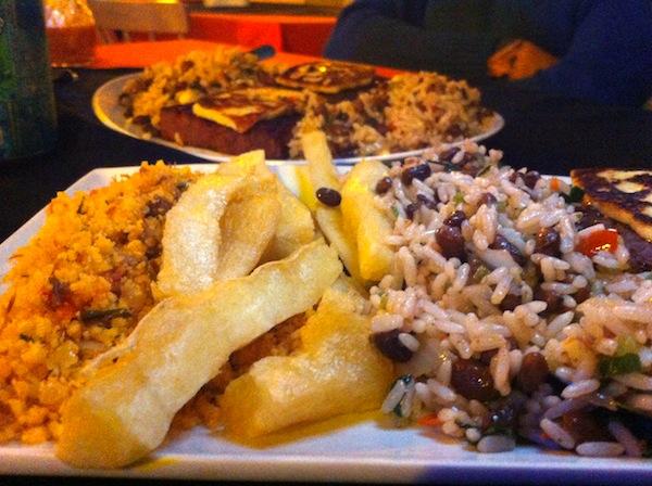 Macaxeira frita e paçoca de carne de sol