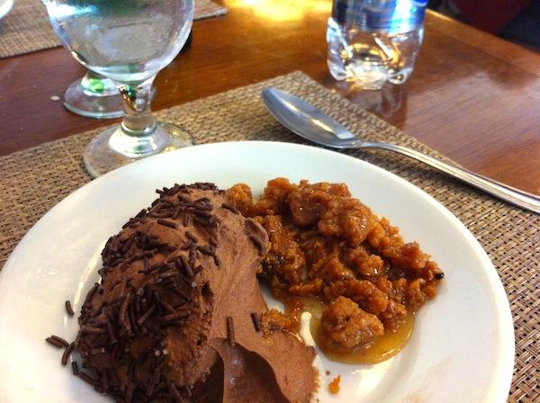 Mousse de chocolate e Ambrosia