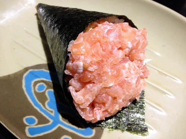Temaki de salmão e cream cheese