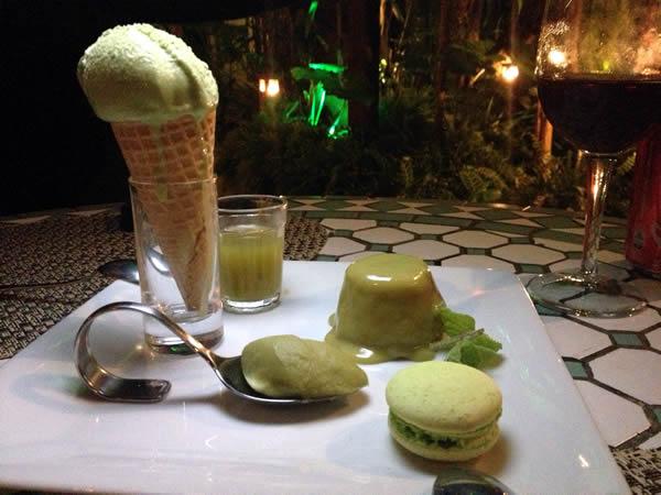 Quintologia Capim Santo: sorvete, macaron, petit gateau, licor de cachaça e brigadeiro de colher