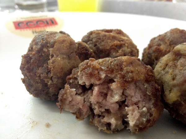 churrascaria-egon-bolinho-carne-ovelha
