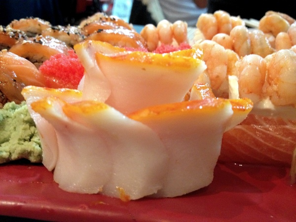 jun-temakeria-sashimi-anchova-negra