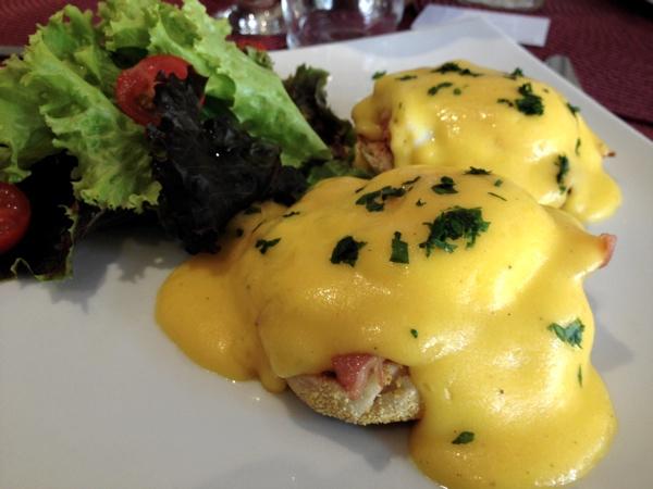 priscillas-bakery-eggs-benedict