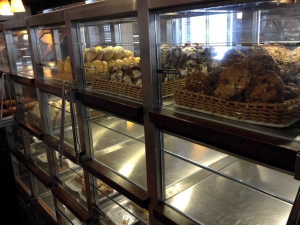 padeiro-sevilha-estante-vidro-cookies