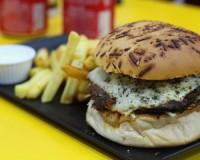 Hamburgueria São José: novo bom burger na terra do cachorro-quente