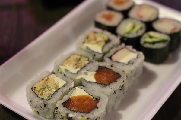 yakisoba-sushi-enrolados