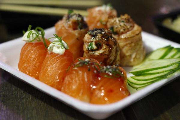 yakisoba-sushi-nigiri-dyo