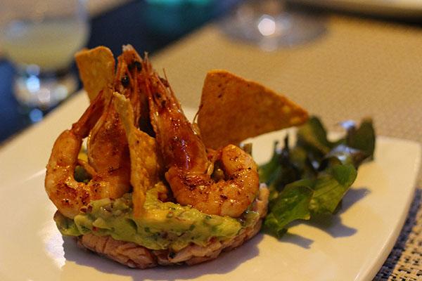 jun-temakeria-tartar-salmao-guacamole