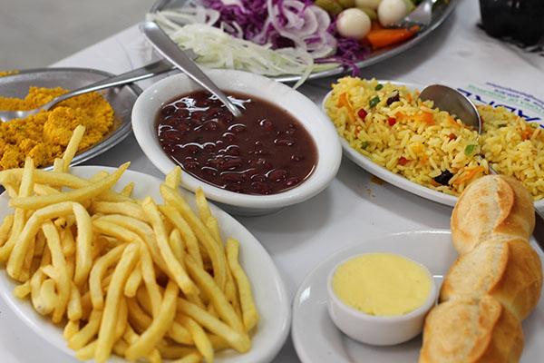 churrascaria-riosulense-pratos