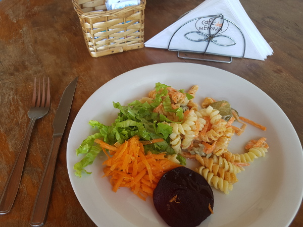 cafe-das-meninas-prato-saladas